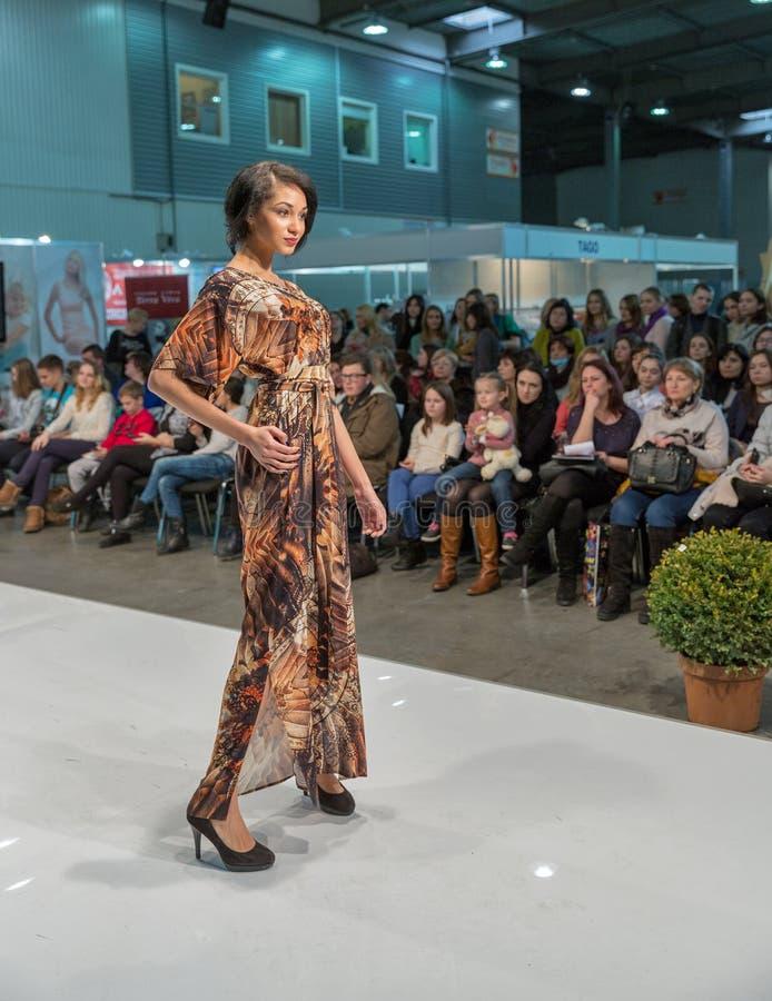 Festival 2016 de la moda de Kyiv de la voga en Kiev, Ucrania imágenes de archivo libres de regalías