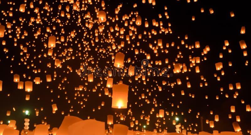 Festival de lanternas do céu, Tailândia imagens de stock