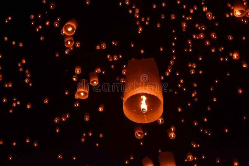 Festival de lanterne bouddhiste en Chiang Mai, Thailland image stock