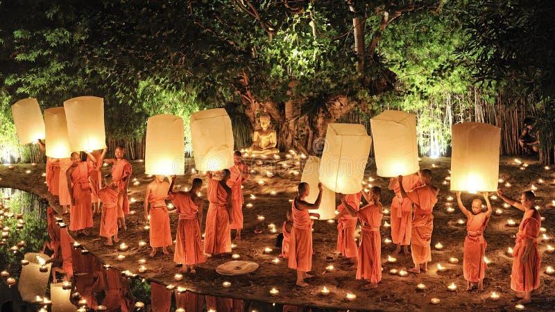 Festival de Loy Krathong em Chiangmai foto de stock