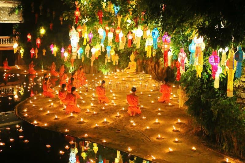 Festival de Loy Krathong em Wat Pan Tao imagem de stock royalty free