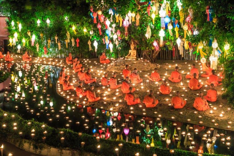 Festival de Loy Krathong en Wat Pan Tao imagenes de archivo