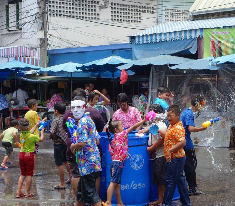 Festival de Songkran em Tailândia fotografia de stock