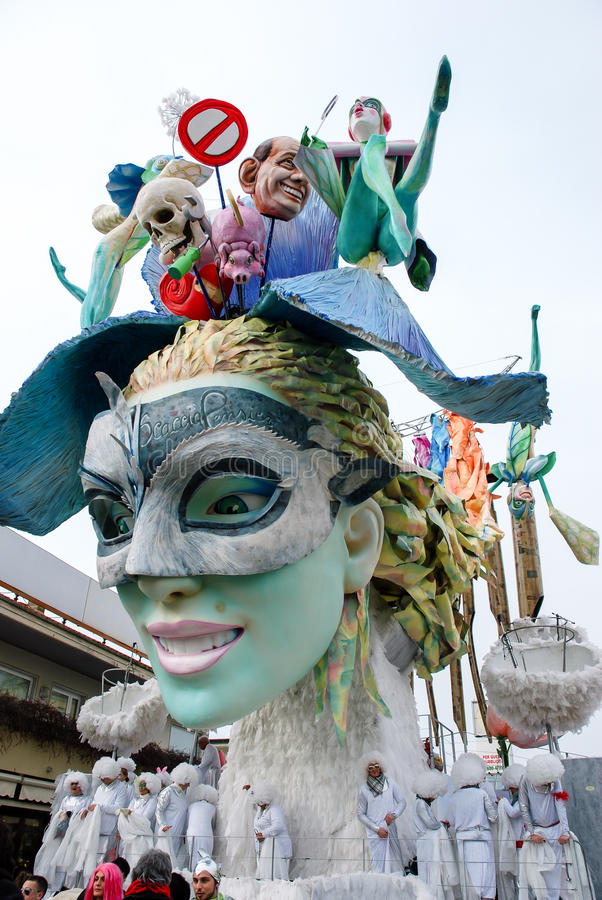 Festival de Viareggio Italie le défilé du carnaval image libre de droits