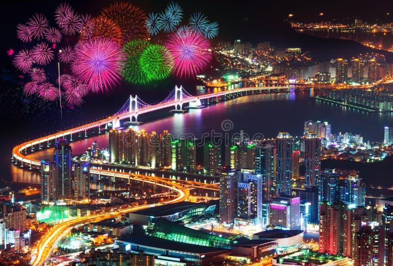 Festival del fuego artificial en el puente de GwangAn en Busán fotos de archivo