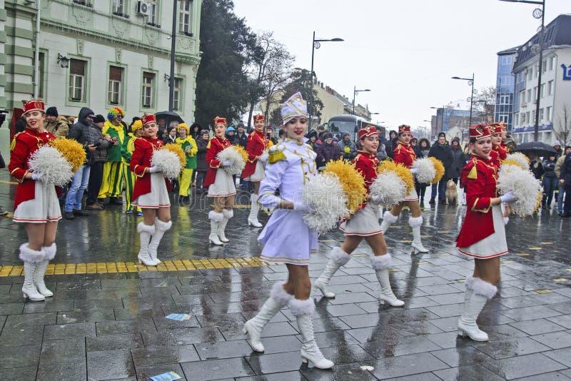 Festival der Majorettes auf der Straße stockbilder