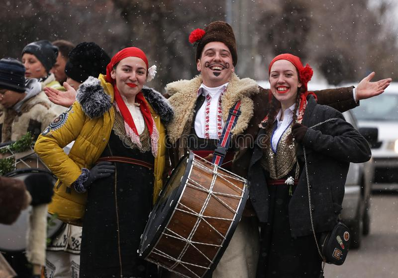 Festival der Maskerade-Spiele Surova in Breznik, Bulgarien stockbilder