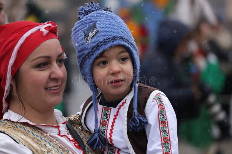 Festival der Maskerade-Spiele Surova in Breznik, Bulgarien stockbild
