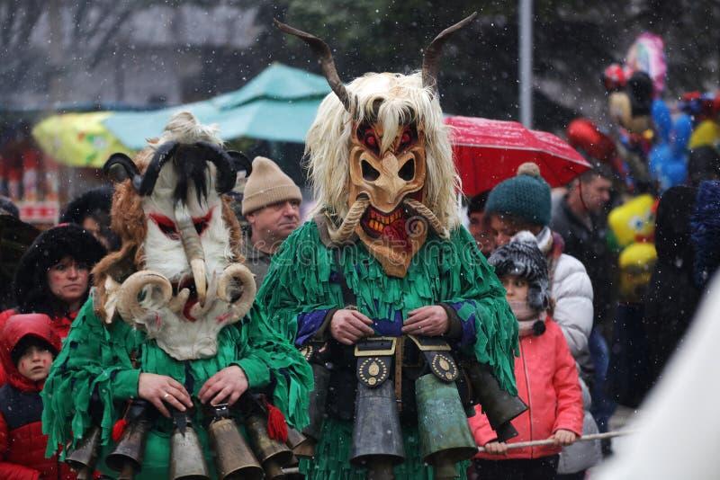 Festival der Maskerade-Spiele Surova in Breznik, Bulgarien lizenzfreies stockfoto