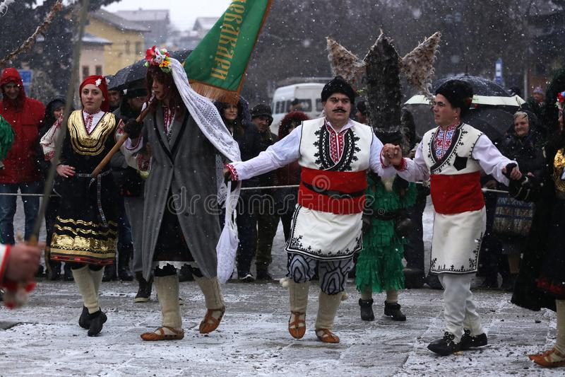 Festival der Maskerade-Spiele Surova in Breznik, Bulgarien lizenzfreie stockbilder