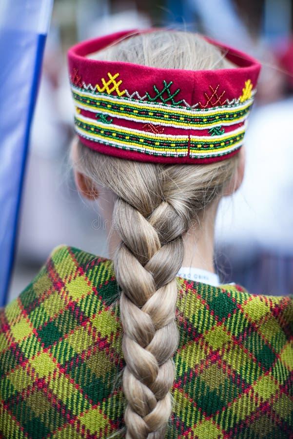 Festival di ballo e di canzone in Lettonia Processione a Riga Elementi degli ornamenti e dei fiori La Lettonia 100 anni fotografie stock libere da diritti