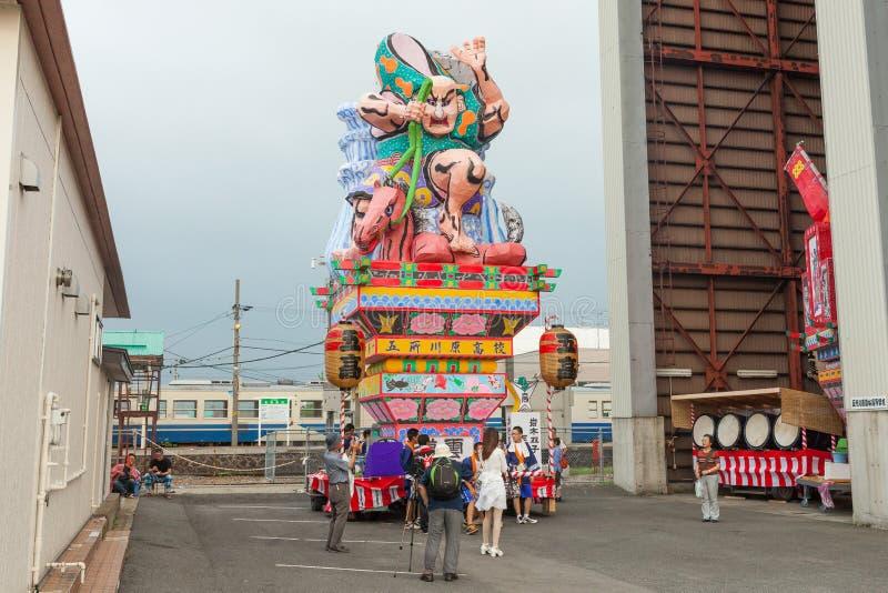 Festival di Goshogawara Tachi Neputa (galleggiante stante) immagini stock