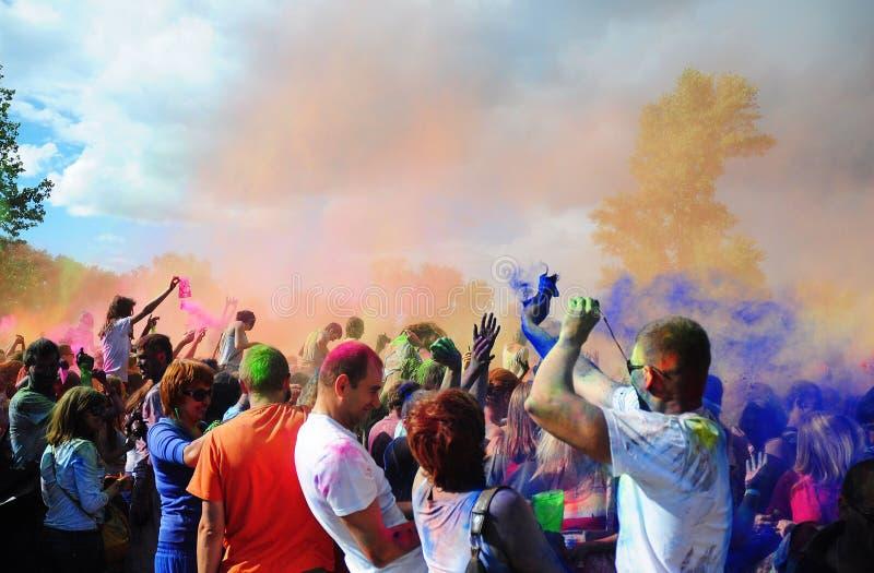 Festival di Holi dei colori Festival di colore di Holi Esplosione di colore di festival di Holi immagini stock libere da diritti