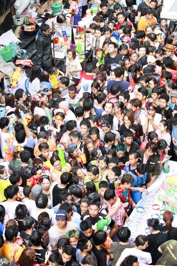 Festival di Songkarn alla strada di Silom, Bangkok, Tailandia 15 aprile 2014 fotografia stock libera da diritti