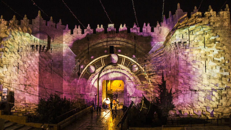Festival do Jerusalém de luz - porta de Damasco fotografia de stock