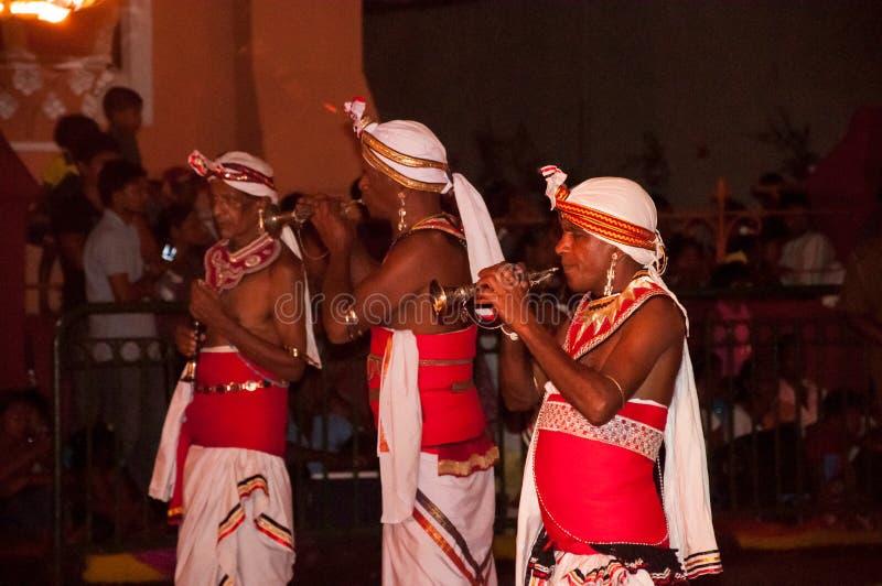 Download Festival Esala Perahera In Kandy Auf Sri Lanka Redaktionelles Stockfoto - Bild von prozession, feuer: 96926413