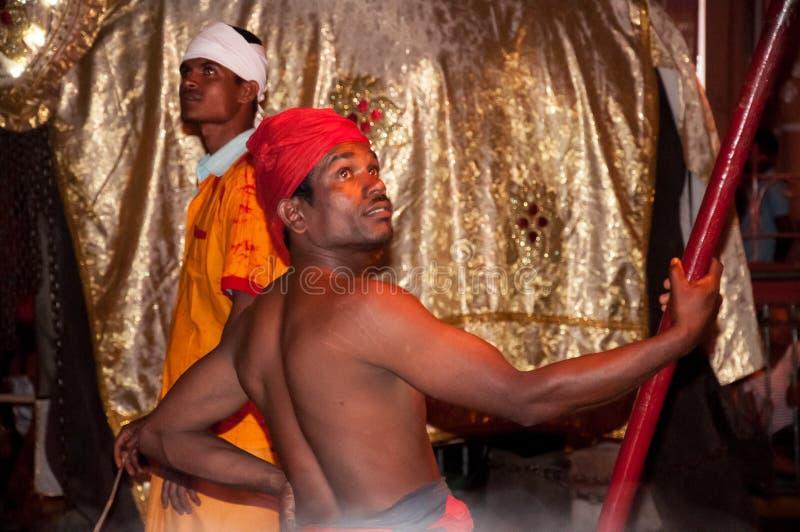 Download Festival Esala Perahera In Kandy Auf Sri Lanka Redaktionelles Stockfotografie - Bild von einschließen, touristen: 96927082