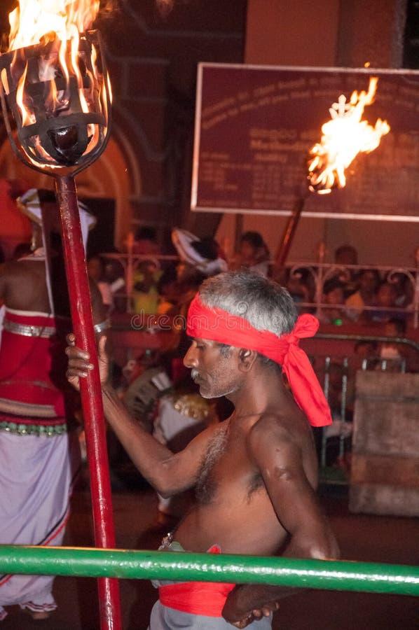 Download Festival Esala Perahera In Kandy Auf Sri Lanka Redaktionelles Stockfotografie - Bild von musik, besteht: 96927122