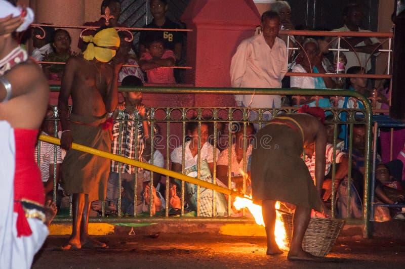Download Festival Esala Perahera In Kandy Auf Sri Lanka Redaktionelles Stockbild - Bild von elefanten, viele: 96927299