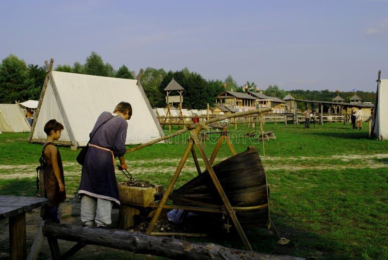 Festival etnográfico, imitação do pagamento de Kievan Rus do século XV imagem de stock