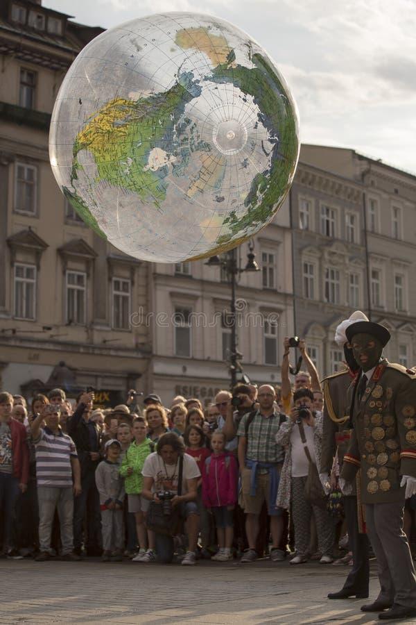 Festival internacional de los teatros ULICA de la calle en Cracow_Opening foto de archivo