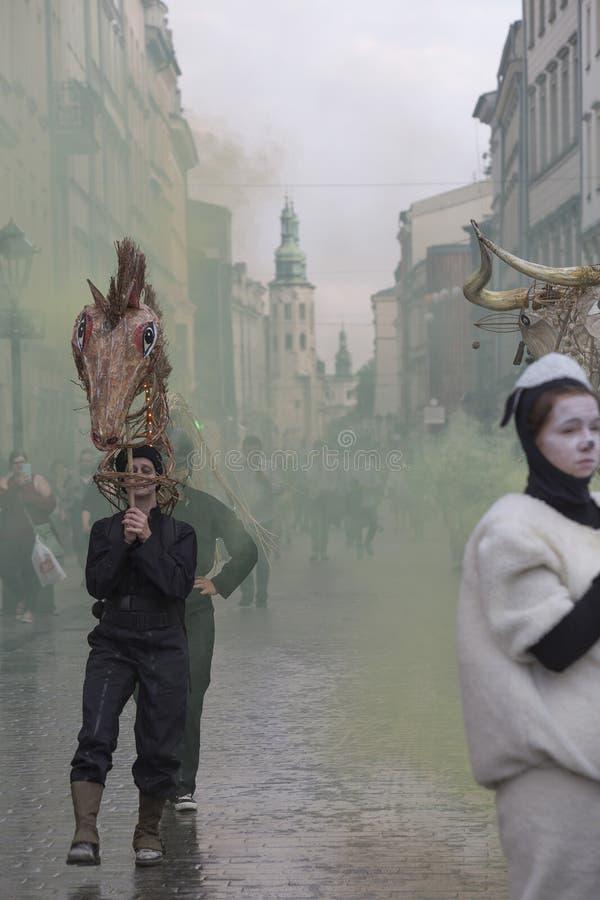 Festival internacional de los teatros ULICA de la calle en Cracow_Opening fotos de archivo