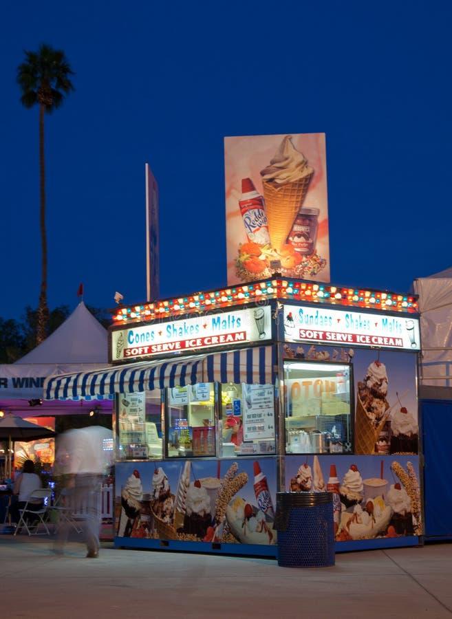 Festival la contea di Riverside della cabina dell'alimento giusta fotografia stock libera da diritti