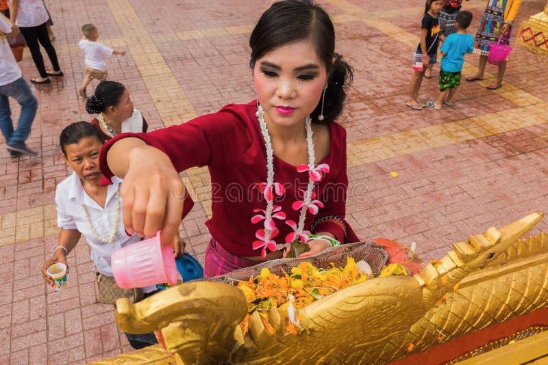 Festival laosiano de Buda del baño del Año Nuevo fotos de archivo libres de regalías