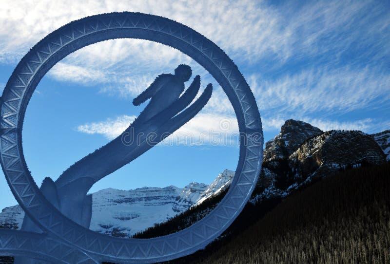 Festival mágico del hielo que talla representando el esquí Lake Louise en el parque nacional de Banff, Alberta, Canadá imágenes de archivo libres de regalías