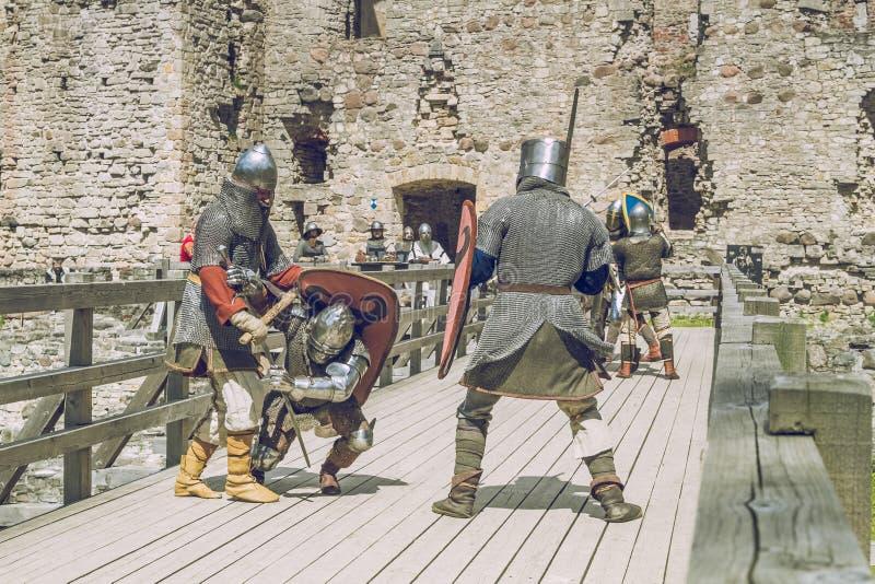 Festival medieval de la lucha en Letonia foto de archivo libre de regalías