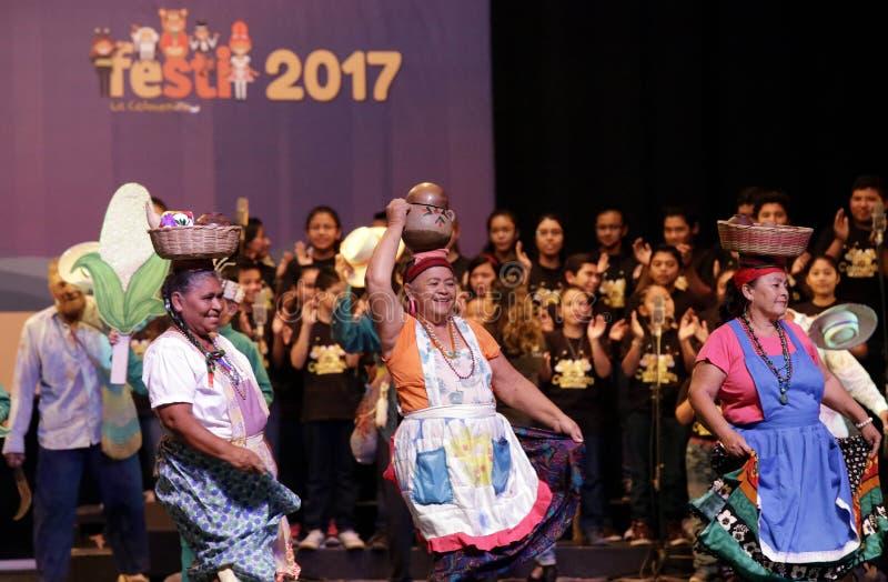 Festival Nacional de Teatro Infantil de Inauguracià ³ n de segundo imagens de stock