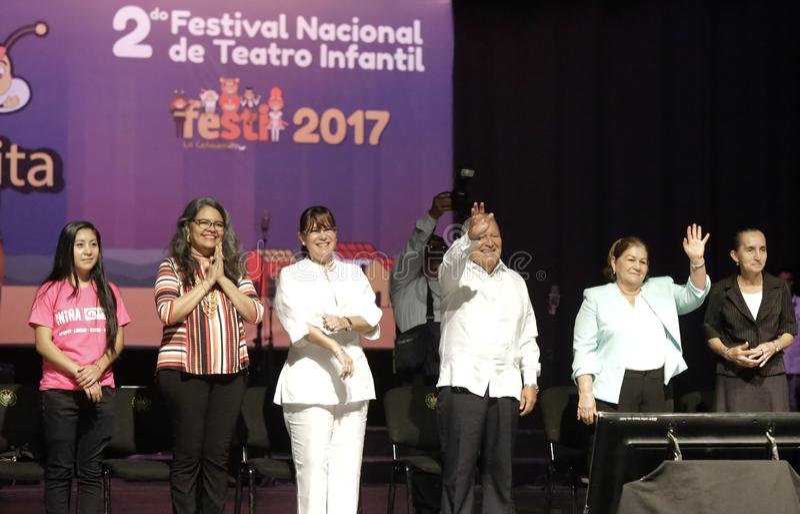 Festival Nacional de Teatro Infantil de Inauguracià ³ n de segundo imagen de archivo