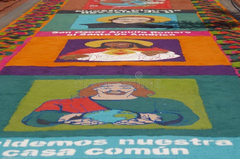 Festival religieux Honduras 2018 de tapis traditionnel de sciure photographie stock