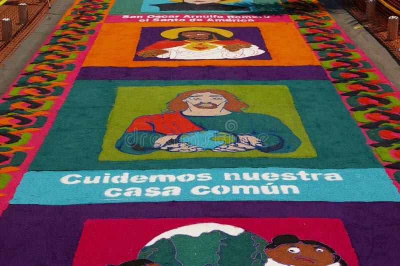 Festival religieux Honduras 2018 de tapis traditionnel de sciure image stock