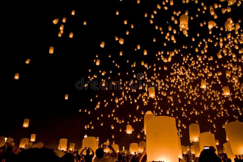 Festival religieux Loy Krathong de Budha images libres de droits
