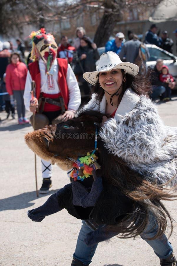 Festival van Mummers in Paisievo, Bulgarije stock afbeelding