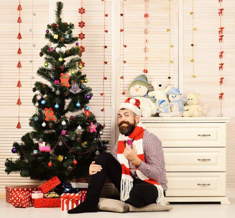 Festivallen en decorconcept Santa Claus met vrolijk gezicht stock afbeelding