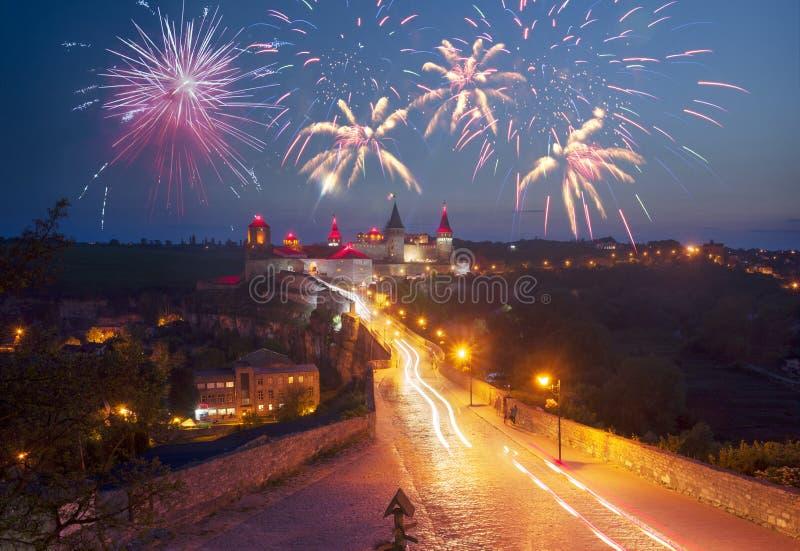 Festivalvuurwerk over het kasteel royalty-vrije stock fotografie