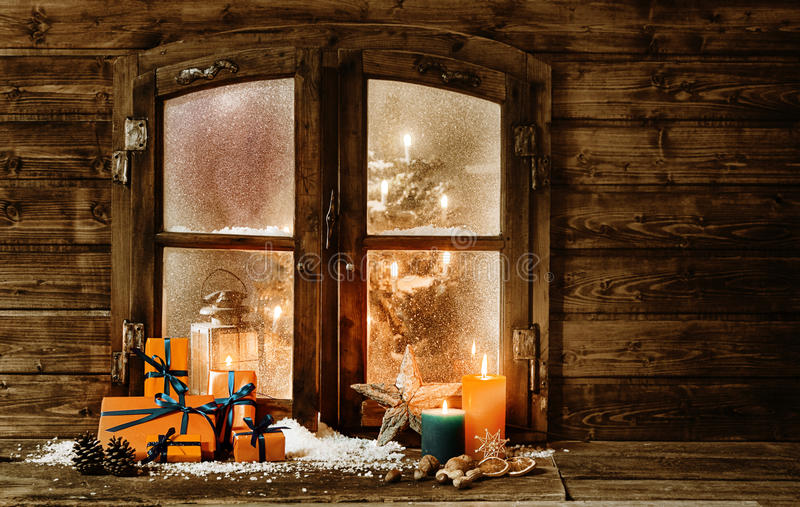 Festive christmas cabin window stock photo image 45355950 for Fenetre dos windows 7