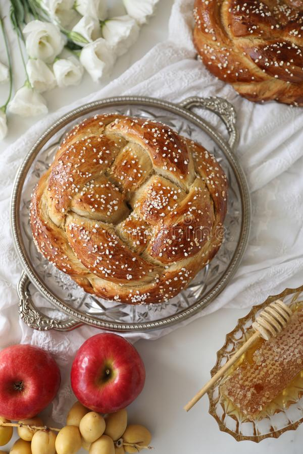 Free Festive Homemade Baked Round Challah Bread Glazed With Honey And Sugar For Rosh Hashanah Jewish New Year Stock Photo - 159878730