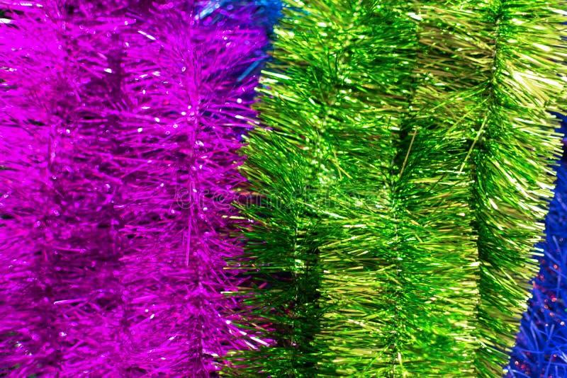 Festive multicolored gladde, prachtige kerstplastic kuip, mousserend voor het Nieuwjaar, kerstboomkuip, feestelijk royalty-vrije stock foto's
