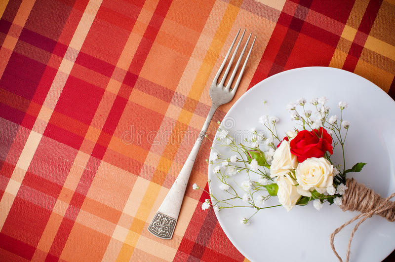 Download Festive Table Setting With Flowers And Vintage Crockery Stock Images - Image: 28791124