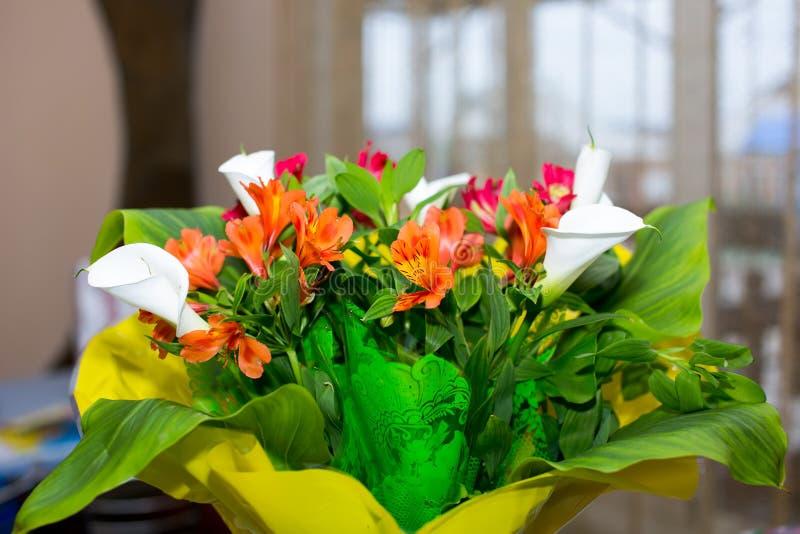 Festlicher Blumenstrauß stockfotografie