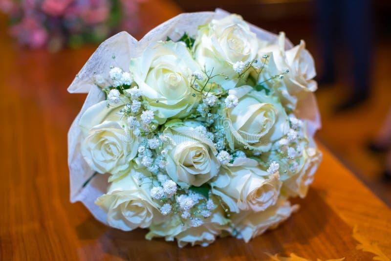 Festlicher Blumenstrauß stockbild