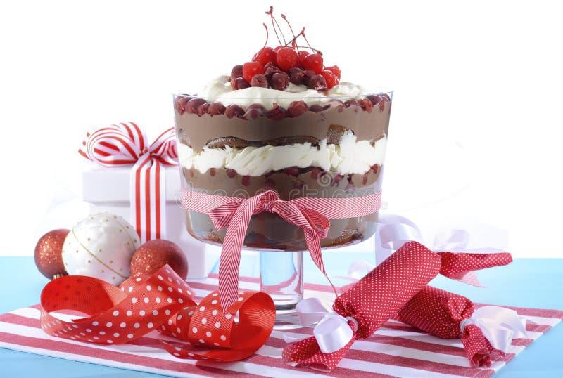 Festliga svarta Forest Trifle Dessert arkivfoton