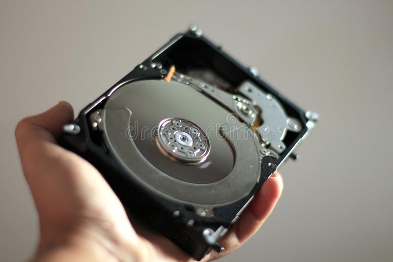 Festplattenlaufwerk auf einer Hand stockbild
