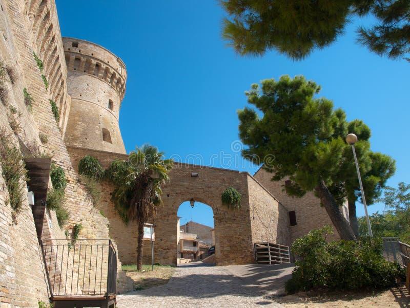Download Festung Acquaviva Picena- Italien Stockbild - Bild von felsen, aufsatz: 26361463