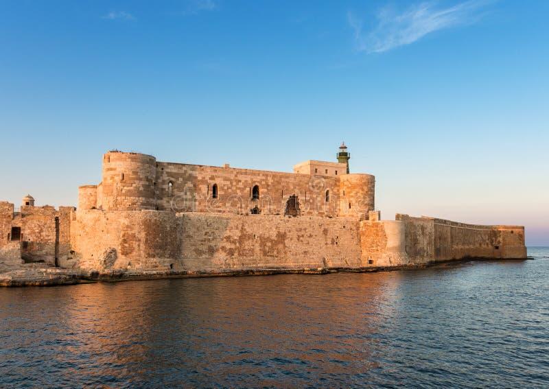 Festung Maniace stockbild. Bild von aerial, tourismus ...