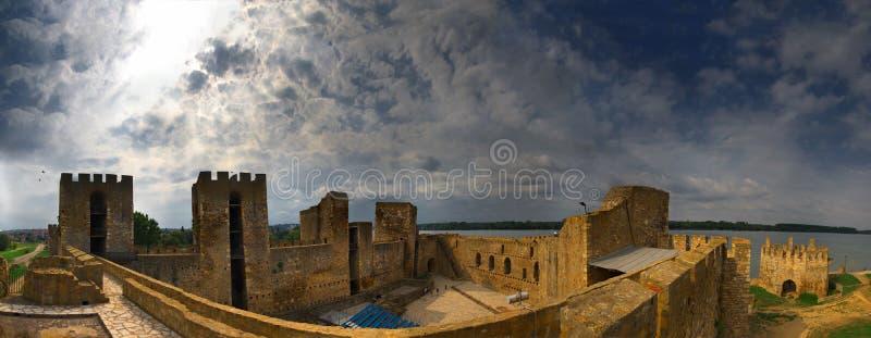 Festung nahe Smederevo, Serbien lizenzfreies stockfoto