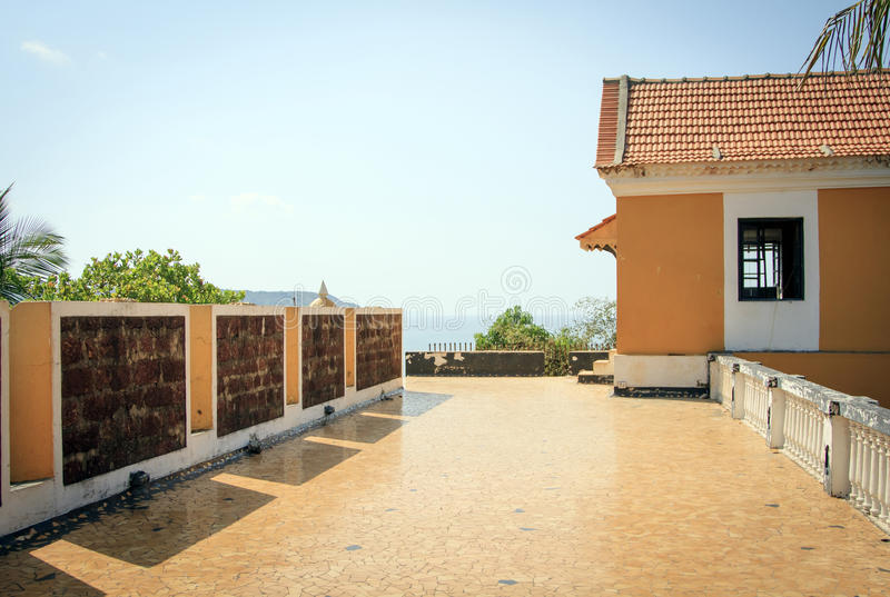 Festung Tiracol am Sommertag lizenzfreie stockfotografie